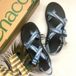 SOLD *Chacos - Classic ZX1 White and Blue Sandals*
